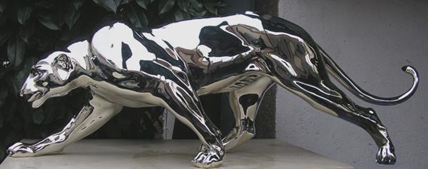 Chrome Statue 32