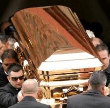Chroe caskets 6