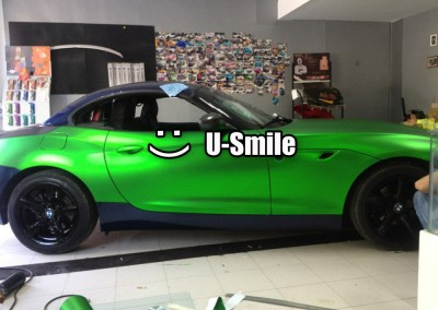 Green-Matte-Chrome-Vinyl-Wrap-Matte-Chrome-Green-Vinyl-Film-Matt-Chrome-Green-Vinyl-Air-Free