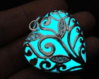 Glow in the Dark Jewelery 2